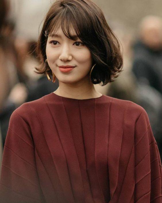 7 Model Rambut Yang Cocok Untuk Wanita Usia 30 An Agar Terlihat Awet Muda Womantalk