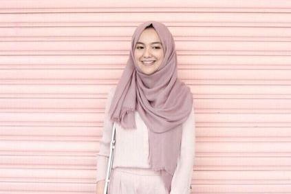 7 Tips Padu Padan Hijab Pashmina Termasuk Untuk Gaya Kondangan Simpel Womantalk