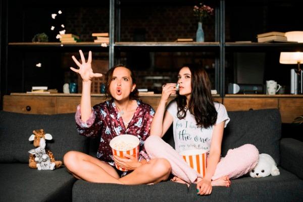 Mengapa Orang Tetap Senang Nonton Film Horor Meski Merasa Ketakutan Womantalk