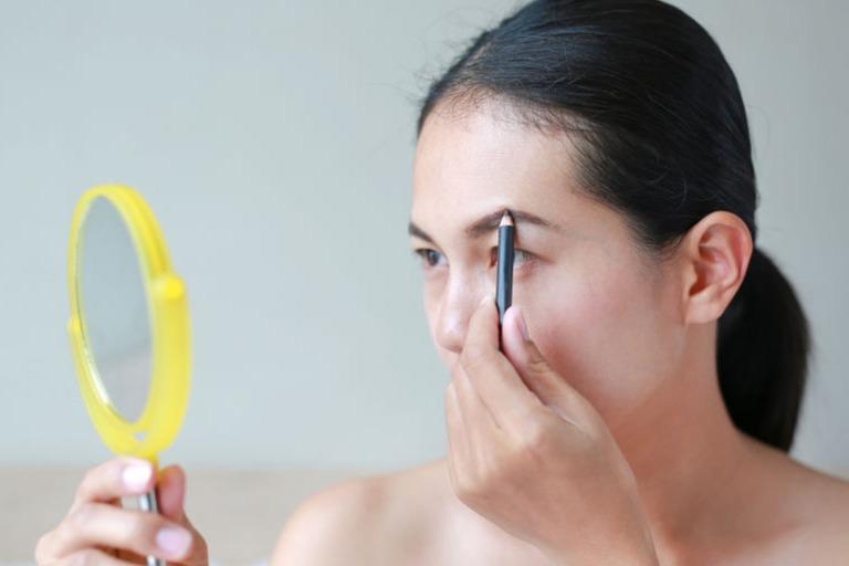 Cara Mudah Membentuk Alis Mata Cantik Dan Rapi Womantalk