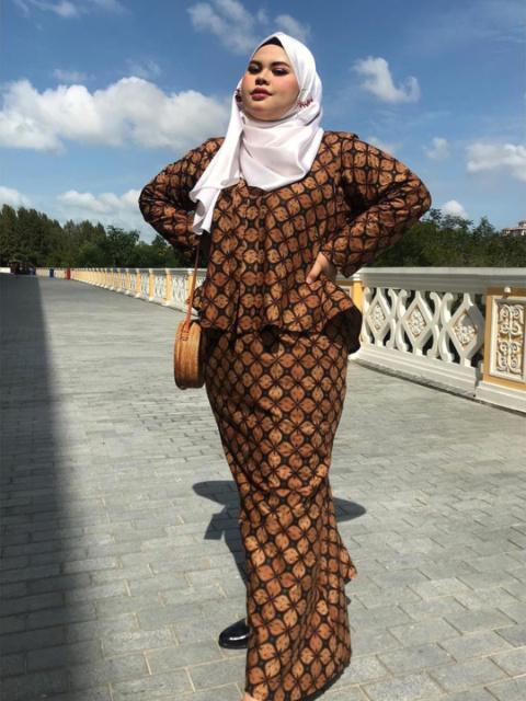7 Baju Kondangan Hijab Untuk Lengan Besar Womantalk