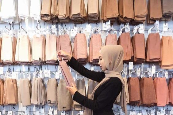 3 Warna Hijab Paling Populer Untuk Hijaber Salah Satunya Warna Beige Womantalk