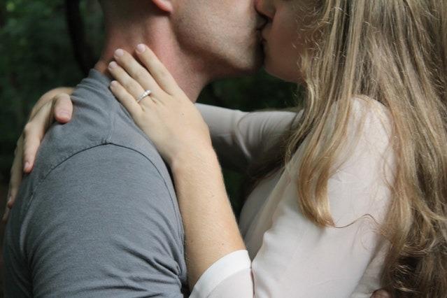 Ini Arti Mimpi Ciuman Di Bibir Dengan Pasangan Sahabat Dan Artis Terkenal Womantalk