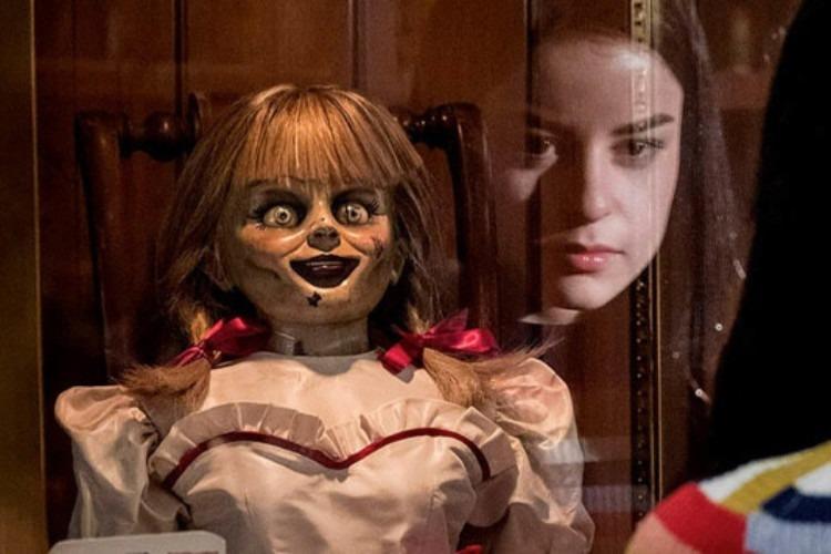 7 Sosok Hantu Paling Fenomenal Dalam Film Horror Dari Sadako Annabelle Sampai Valak Womantalk