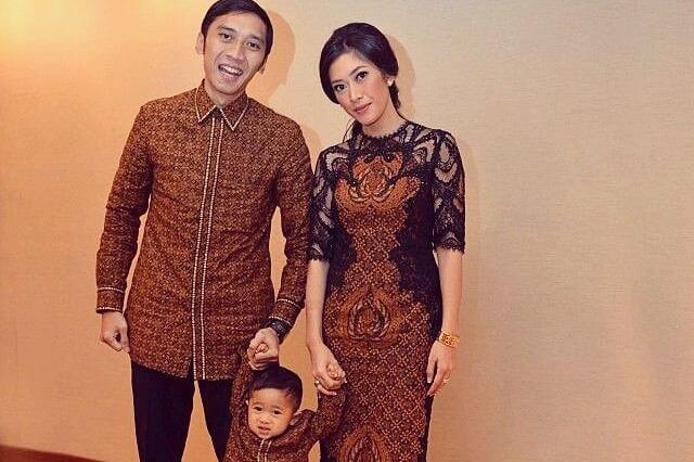 7 Inspirasi Dress Batik Kombinasi Brokat Buat Kondangan