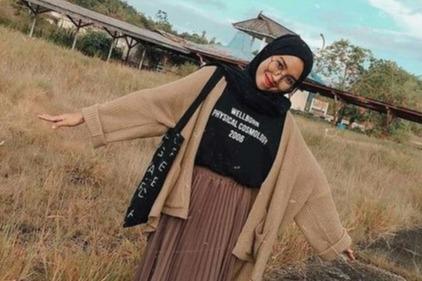 10 Tips Ootd Hijab Simpel Untuk Style Kasual Ke Kampus Womantalk